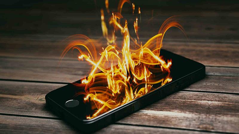 Điện thoại quá nóng làm điện thoại tự tắt nguồn